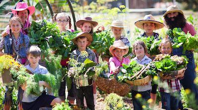 les enfants aiment la terre